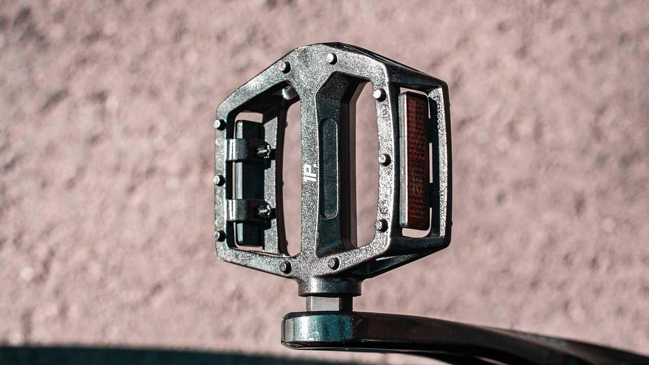 Fahrradpedale fachmännisch wechseln lassen